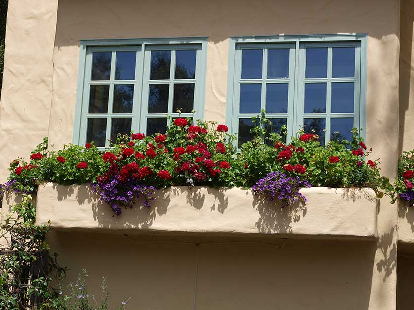 Window boxes for Window outer design